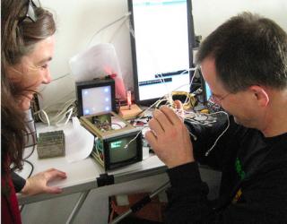 flipdot hackerspace kassel meets bau kunst erfinde